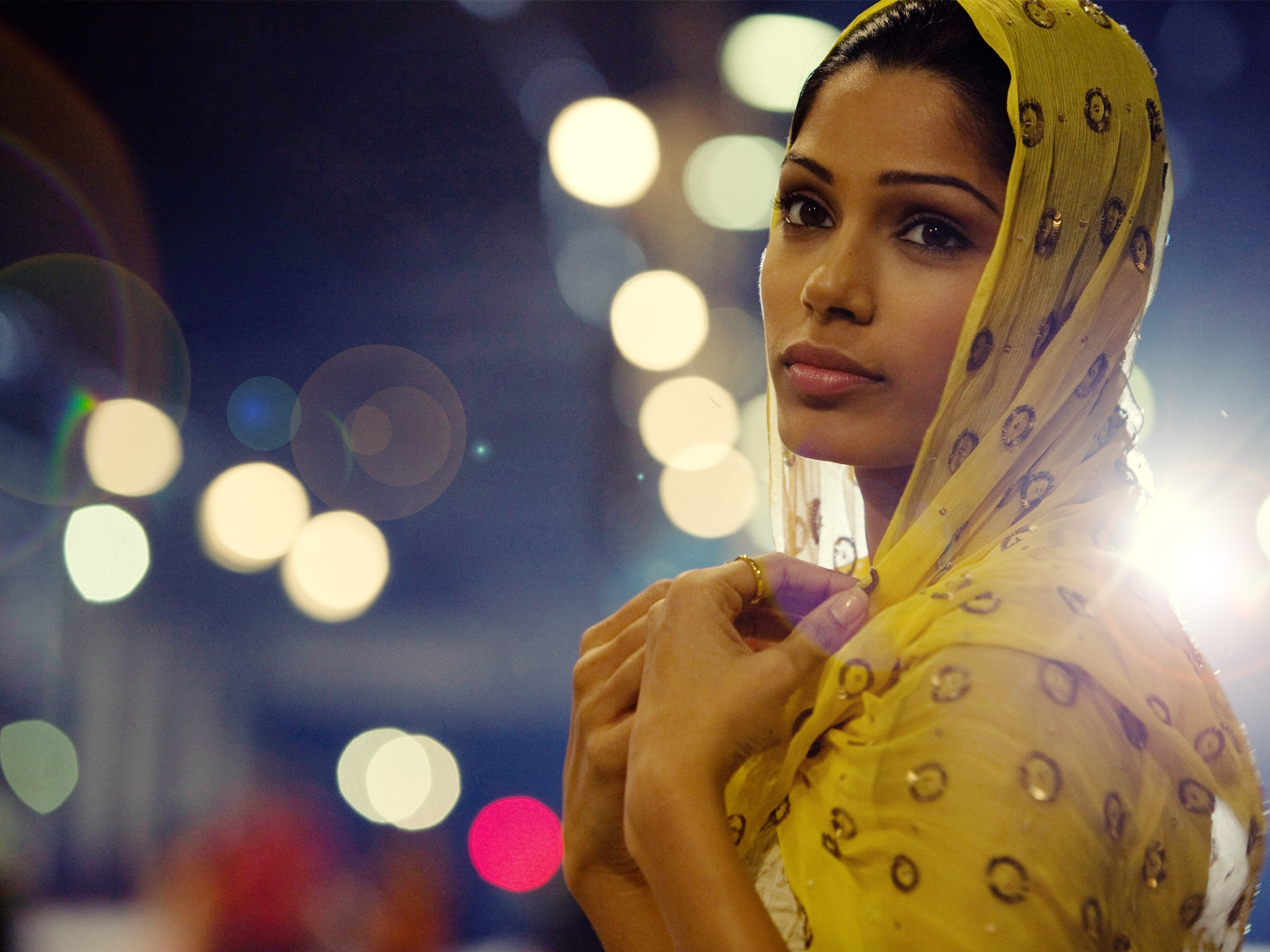 Slumdog millionaire, cult freida pinto latika cultstories india actress cultgallery cult stories cult story photo gallery cinema film movie oscar boyle