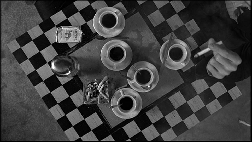 Il background del nostro blog, tratto dal film 'Coffe and cigarettes' di Jarmus