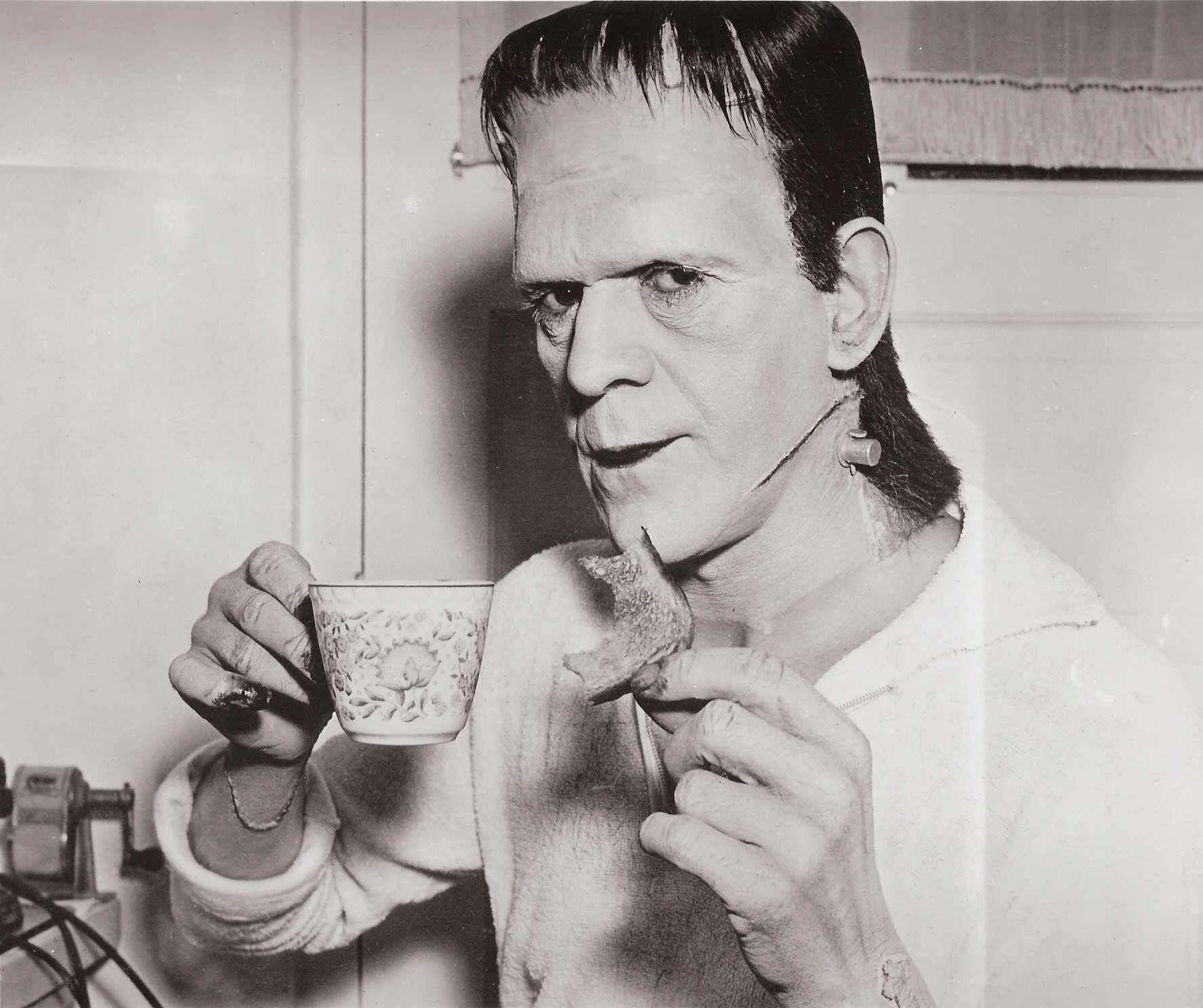 Boris Karloff cinema frankenstein hollywood film pellicola cult cultstories 1931cult stories cultstories cinema cult story cultstory art culture music ipse dixit aneddoti citazioni frasi famose aforismi immagini foto personaggi cultura musica storie facts fatti celebrità vip cult spettacoli live performance concerto photo photography celebrity giornalismo scrittura libri genio pop icon attore cantante solista pittrice scultore attrice star diva sex symbol