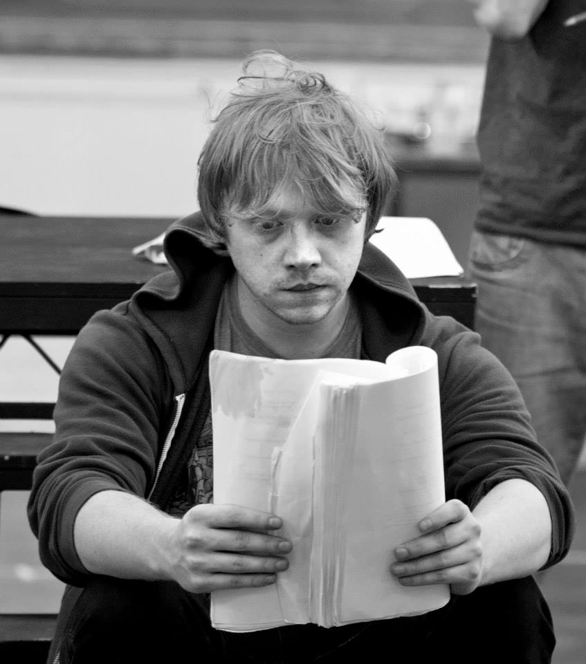 Rupert Alexander Lloyd Grint, più noto come Ron Weasley, mentre legge il copione durante le riprese del settimo episodio della saga di Harry Potter, Harry Potter e i doni della morte. Rupert grint ron weasley harry potter cultstories set photo cult stories cultstories cinema cult story cultstory art culture music ipse dixit aneddoti citazioni frasi famose aforismi immagini foto personaggi cultura musica storie facts fatti celebrità vip cult spettacoli live performance concerto photo photography celebrity giornalismo scrittura libri genio pop icon attore cantante solista pittrice scultore attrice star diva sex symbol mito harry potter 8 harry potter 3 harry potter 2 harry potter 5 harry potter 6 harry potter 2 streaming harry potter film harry potter acteur harry potter 4 harry potter streaming harry potter 1 harry potter and the philosopher's stone harry potter allocine harry potter and the goblet of fire harry potter and the half blood prince harry potter and the forbidden journey harry potter and the prisoner of azkaban streaming harry potter amazon harry potter and the chamber of secrets harry potter and the philosopher's stone streaming a harry potter christmas a harry potter quiz a harry potter birthday a harry potter love story gracie style a harry potter musical a harry potter love story quotev a harry potter celebration a harry potter au where potions is taught by gordon ramsay a harry potter love story episode 1 a harry potter musical full harry potter à l'école des sorciers harry potter à l'école des sorciers livre harry potter à l'école des sorciers film harry potter à l'école des sorciers streaming vf harry potter à londres harry potter à partir de quel age harry potter à l'école des sorciers résumé harry potter à l'école des sorciers livre audio harry potter à l'école des sorciers jim kay harry potter à l'école des sorciers youtube a harry potter fanfic a harry potter a harry potter test a harry potter mmorpg making a harry potter jeux a harry potter a harry potter spell quizz harry potter a harry potter wand harry potter âge harry potter âge minimum harry potter a l ecole des sorcier harry potter a l ecole des sorcier streaming vf harry potter a harry potter a londres harry potter a test harry potter a ginny harry potter a voldemort harry potter a robert pattinson harry potter bonbon harry potter baguette harry potter boutique harry potter bande annonce harry potter books harry potter bloomsbury harry potter bertie botts harry potter blu ray harry potter bd harry potter bellatrix lestrange b harry potter names r.b. harry potter isla b harry potter r a b harry potter 7 b.fanfiction.net book harry_potter mandy b harry potter katy b harry potter b.c harry potter b roll harry potter cassiopeia b harry potter harry potter casting harry potter coffret harry potter california harry potter cicatrice harry potter characters harry potter collection harry potter coloriage harry potter chambre des secrets harry potter christmas harry potter coupe de feu streaming 9 harry potter c warrington harry potter c pas bien harry potter c pas bien harry potter 7 c pas bien harry potter et la coupe de feu s.p.c. harry potter harry potter c est le mal 9 harry potter movie flora c harry potter penelope c harry potter harry potter ça se dispute harry potter çizgi film izle harry potter çekim hataları harry potter çekimleri harry potter çizgi film harry potter çatal dili harry potter çapulcu haritası harry potter çekim yerleri harry potter çekildiği yer harry potter çorum harry potter ç 9-harry potter y la otra historia 9 harry potter books harry potter dessin harry potter deguisement harry potter dernier harry potter ds harry potter dudley harry potter dessin animé harry potter dragon harry potter dumbledore ron harry potter deathly hallows harry potter dernier film d'harry potter personnage d harry potter jeux d harry potter acteur d harry potter musique d'harry potter sort d'harry potter chateau d'harry potter train d'harry potter chouette d harry potter combien de harry potter harry potter et les reliques de la mort harry potter et la coupe de feu harry potter et la chambre des secrets harry potter et le prince de sang mêlé harry potter et les reliques de la mort partie 2 streaming harry potter et le prisonnier d'azkaban harry potter et l'ordre du phénix harry potter et le prince de sang mêlé streaming harry potter et la chambre des secrets streaming harry potter et le prisonnier d'azkaban pdf 7 harry potter 7 harry potter wiki 2. harry potter film 7 harry potter trailer harry potter ebook 7 harry potter horcruxes 2. harry potter teil 2 harry potter movie 2 harry potter book 7 harry potter book harry potter écharpe harry potter édition harry potter épouvantard harry potter école harry potter épisode harry potter édition gallimard harry potter edition illustrée harry potter épisode 1 harry potter édition collector harry potter è streaming 2 harry potter trailer quem é harry potter harry potter è partie 2 streaming harry potter è partie 1 streaming harry potter 7 harry potter 7 streaming harry potter 7 partie 2 streaming harry potter 7 partie 2 harry potter 7 partie 1 harry potter 7 pdf harry potter 7 film 7 harry potter books 7 harry potter movie 7 harry potter number fanfiction harry potter être une famille quel personnages harry potter êtes vous quel fan de harry potter êtes vous harry potter film complet harry potter film 1 harry potter film streaming harry potter fnac harry potter folio junior harry potter font harry potter fan art harry potter fille harry potter fleur delacour cast of harry potter ambrosius f harry potter fanfic harry potter f names in harry potter harry f potter it's wonderful life f yeah harry potter f yeah harry potter tattoos f.d harry potter arabella f harry potter f.g harry potter harry potter hoodies harry potter gallimard harry potter gif harry potter ginny weasley harry potter guitare harry potter game harry potter gba harry potter gobelin harry potter gamecube harry potter genre g harry potter wikipedia g harry potter wiki g harry potter film g harry potter movies anthony g harry potter g jones harry potter harry g potter iii g lockhart harry potter m.g. harry potter daphne g. harry potter wiki harry potter halloween harry potter hd harry potter houses harry potter hogwarts harry potter harry potter harry potter histoire harry potter humour harry potter house test harry potter hagrid acteur harry potter hedwig's theme h harry potter jumper triple h harry potter wayne h harry potter terence h harry potter h piddy harry potter in the hood h&m harry potter r h harry potter h granger harry potter 30 h harry potter h charm harry potter harry potter illustré harry potter illustrated harry potter integrale harry potter imdb harry potter images harry potter illustré jim kay harry potter in english harry potter interview harry potter is dead harry potter illustré francais i'm harry potter i harry potter characters is harry potter voldemort in harry potter who was rab is harry potter an ebook is harry potter on facebook is harry potter on amazon is harry potter robert pattinson hermione i harry potter hagrid i harry potter harry potter i insygnia śmierci harry potter i kamień filozoficzny harry potter i czara ognia harry potter i zakon feniksa harry potter i książe półkrwi online harry potter i książe półkrwi harry potter i komnata tajemnic harry potter i insygnia śmierci 2 online harry potter i zakon feniksa online harry potter i więzień azkabanu ron i harry potter ginny i harry potter voldemort i harry potter i 7 harry potter sport i harry potter malfoy i harry potter troll i harry potter harry potter jeux harry potter jeux video harry potter jeux pc harry potter jelly belly harry potter jeu pc harry potter jouet harry potter jk rowling harry potter jeu en ligne harry potter jeune harry potter john williams j harry potter words jessie j harry potter j de harry potter j k rowling harry potter megan j harry potter j.k harry potter j williams harry potter j wronski harry potter j k rowling harry potter books j k rowling harry potter facts harry potter kinect harry potter krum harry potter katie bell harry potter kindle harry potter kinect xbox 360 harry potter king cross harry potter kay harry potter konbini harry potter kindle gratuit harry potter k streaming k harry potter words k streaming harry potter k streaming harry potter 1 jk rowling harry potter rowling j. k. harry potter and the chamber of secrets rowling j.k. harry potter i kamień filozoficzny joanne k rowling harry potter stammbaum j k rowling harry potter secrets harry potter londres harry potter livre harry potter les reliques de la mort harry potter la magie des films harry potter les reliques de la mort partie 2 streaming harry potter lego harry potter la suite harry potter london harry potter la coupe de feu harry potter la chambre des secrets harry potter l ecole des sorcier harry potter l ecole des sorcier streaming vf harry potter musique harry potter movies harry potter meme harry potter manga harry potter museum harry potter maisons harry potter mort harry potter mangemort harry potter minecraft harry potter marocain m harry potter fanfiction marlene m harry potter laura m harry potter fanfiction m harry potter morag m harry potter dorcas m harry potter m rated harry potter fanfic rated m harry potter harry potter n o m harry potter nouveau harry potter nouveau film harry potter noel harry potter nouveau livre harry potter netflix harry potter noble collection harry potter nom harry potter news harry potter neville londubat harry potter nouvelle edition theodore n harry potter harry potter n 1 harry potter n 2 n e w t harry potter truyê n harry potter n scale harry potter train n gauge harry potter n scale harry potter b&n harry potter harry potter ordre harry potter orlando harry potter ordre du phénix harry potter online harry potter oxford harry potter ordre du phénix streaming harry potter olivier dubois harry potter officiel harry potter octalogie harry potter ordre film o harry potter morreu o harry potter morre o harry potter é filho do snape o harry potter tem quantos anos o filme harry potter harry potter ou twilight o filme harry potter e a ordem da fenix o livro harry potter o jogo harry potter e a pedra filosofal o w l harry potter harry potter o filme harry potter eo prisioneiro de azkaban online harry potter o pensador harry potter eo calice de fogo online harry potter o harry potter o enigma do principe download harry potter o enigma do principe harry potter o enigma do principe online harry potter o prisioneiro de azkaban o harry potter harry potter ölüm yadigarları 2 harry potter ölüm yadigarları 1 harry potter ölüm yadigarları harry potter ölüm yadigarları 1 izle harry potter ölüm yadigarları 2 izle harry potter ölüm yadigarları 1 türkçe dublaj izle harry potter ölüm yadigarları 2 türkçe dublaj izle harry potter ölüm yadigarları izle harry potter ölüm yadigarları 2 hd izle harry potter ölüm yadigarları 2 full izle harry potter ö harry potter personnages harry potter pdf harry potter prequel harry potter park harry potter ps3 harry potter ps4 harry potter poudlard harry potter paris harry potter parc harry potter pc p harry potter characters p 394 harry potter adrian p harry potter pansy p harry potter gideon p harry potter harry potter 720p a.s.p harry potter jimmy p harry potter padma p harry potter harry potter quiz harry potter quotes harry potter quel age harry potter quiz francais harry potter questions harry potter quiz film harry potter quelle maison harry potter quidditch game harry potter quidditch world cup harry potter quotes tumblr professor q harry potter q actor de harry potter murio q personaje de harry potter eres q words from harry potter ator q faz harry potter ator q fez harry potter harry potter q and a jk rowling o q significa harry potter de q trata harry potter fuh-q-fest harry potter harry potter reliques de la mort harry potter résumé harry potter retourneur de temps harry potter roman harry potter remix harry potter remus lupin harry potter roux harry potter ron weasley et hermione granger harry potter ron weasley harry potter relique de la mort partie 1 r harry potter reddit r harry potter fanfiction r rated harry potter fanfiction r black harry potter dvd r harry potter r rated harry potter r a b harry potter horcrux toys r us harry potter harry potter suite harry potter studio harry potter streaming 7 harry potter streaming vf harry potter shop harry potter streaming 6 harry potter saga harry potter soundtrack harry potter streaming 2 s harry potter wiki lysander s harry potter s. fawcett harry potter igri s harry potter d/s harry potter fanfiction r.s harry potter s.b harry potter s bones harry potter harry potter's characters s p e w harry potter harry potter tour harry potter tome 1 harry potter theatre harry potter theme harry potter tumblr harry potter test harry potter tattoo harry potter tome 8 harry potter tome 1 pdf harry potter tab t harry potter fanfiction t shirt harry potter t-shirt harry potter femme t shirt harry potter deathly hallows marta t harry potter t i harry potter lyrics marta t harry potter art t.i. harry potter mp3 download dr t harry potter fanfiction t.i. harry potter zippy harry potter une suite harry potter ultimate edition harry potter uniforme harry potter univers harry potter und der stein der weisen harry potter universal harry potter uk harry potter un harry potter und der stein der weisen pdf harry potter uniforme de poudlard wii u harry potter us scholastic harry potter us harry potter stamps harry potter usa us harry potter books us harry potter book covers us harry potter audio books us harry potter vs uk harry potter theme park usa u tube harry potter harry potter va ten tu ù nhân ngục azkaban harry potter ù harry potter un nouveau film harry potter un héros harry potter un héros mythique harry potter un hero harry potter un nouveau film inédit actuellement en tournage harry potter un nouveau livre harry potter un suite harry potter un mythe harry potter un succès mondial démystifié un harry potter 8 un nouveau harry potter un prochain harry potter un 8eme harry potter un neuvieme harry potter un nouveau harry potter en 2014 un basilic harry potter un nouveau harry potter livre un auror harry potter un mmorpg harry potter harry potter version longue harry potter vostfr harry potter vo harry potter vostfr streaming harry potter vs star wars harry potter vetement harry potter video harry potter vrai nom harry potter visite harry potter vf jedi vs harry potter lotr vs harry potter frodon vs harry potter naruto vs harry potter spiderman vs harry potter goku vs harry potter harry potter ou eragon merlin vs harry potter batman vs harry potter hobbit vs harry potter harry potter wiki harry potter wallpaper harry potter warner bros harry potter wii harry potter world harry potter wand harry potter wizard collection harry potter warner bros studio harry potter world london harry potter wii u interview with harry potter with harry potter character are you with harry potter house are you in zagrajmy w harry potter i zakon feniksa zagrajmy w harry potter i czara ognia zagrajmy w harry potter i insygnia śmierci cz 1 zagrajmy w harry potter i więzień azkabanu zagrajmy w harry potter lego help with harry potter lego years 5-7 games with harry potter harry potter xbox harry potter x reader harry potter xbox 360 kinect harry potter xbox 360 lego harry potter xbox one game harry potter xylophone harry potter xbox 360 micromania harry potter xavier dolan harry potter xbox 360 les reliques de la mort hermione x harry potter draco x harry potter fanfiction reader x harry potter x factor harry potter naruto x harry potter fanfic x factor harry potter justin bieber naruto x harry potter crossover naruto x harry potter harry potter youtube harry potter y la piedra filosofal harry potter youtube film harry potter yeux harry potter y la piedra filosofal pdf harry potter youwatch harry potter yify harry potter youtube musique harry potter y la camara secreta harry potter yt hermione y harry potterfics hermione y harry potter ginny y harry potter hermione y harry potter besandose hermione y harry potter se besan ginny weasley y harry potter harry y potter y la piedra filosofal harry y potter y el caliz de fuego harry y potter y las reliquias de la muerte online harry y potter y el misterio del principe harry potter zoella harry potter zodiac signs harry potter zonko harry potter zaubersprüche harry potter zacharias smith harry potter zerochan harry potter zone telechargement harry potter zone telechargement vostfr harry potter zümrüdüanka yoldaşlığı izle harry potter 01 vf harry potter 01 vostfr harry potter 01 streaming vf harry potter 02 vf harry potter 03 vf harry potter 04 streaming harry potter 01 harry potter 01net harry potter 07 harry potter 05 harry potter 0 harry potter 0 l42cole des sorciers harry potter 0 londres tosh.0 harry potter chapter 0 harry potter prequel chapter 0 harry potter prequel pdf tosh.0 harry potter viewer video harry potter 0 gauge final fantasy type 0 harry potter harry potter 0. rész 1 harry potter movie 1 harry potter book 1 harry potter teil 1 harry potter band 1 harry potter trailer tome 1 harry potter episode 1 harry potter partie 1 harry potter 7 emma watson 1 harry potter harry potter 1 streaming vf harry potter 2 streaming vf harry potter 2016 harry potter 2015 harry potter 2 streaming vostfr harry potter 2 pdf harry potter 2 film complet en francais harry potter 2005 harry potter 2 streaming vk harry potter 2 streaming vf hd harry potter 3 streaming harry potter 3 streaming vostfr harry potter 3 film harry potter 3 pdf harry potter 3 streaming vk harry potter 3ds harry potter 3 bande annonce harry potter 3 vostfr harry potter 3 streaming gratuit harry potter 3 acteur 3 harry potter book 3 harry potter spin offs 3 harry potter movies 3 harry potter movie called 3 harry potter and the prisoner of azkaban english subtitles 3 harry potter and the prisoner of azkaban 3 harry potter film 3 harry potter pdf 3 harry potter curses 3 harry potter spells harry potter 5 streaming harry potter 5 streaming vostfr harry potter 5 streaming vk harry potter 5 pdf harry potter 5 bande annonce harry potter 5 streaming vf hd harry potter 5 livre harry potter 5 acteurs harry potter 5 streaming gratuit harry potter 5 streaming vo 5 harry potter movie 5 harry potter spells 5 harry potter and the order of the phoenix pdf 5 harry potter book 5 harry potter and the order of the phoenix 2007 subtitles 5. harry potter film 5. harry potter teil 5. harry potter band tome 5 harry potter tome 5 harry potter pdf harry potter 6 streaming harry potter 6 streaming vf harry potter 6 streaming vostfr harry potter 6 film complet en francais harry potter 6 bande annonce harry potter 6 streaming vk harry potter 6 pdf harry potter 6 livre harry potter 6 acteurs harry potter 6 papystreaming 6 harry potter movie 6 harry potter and the half blood prince subtitles 6 harry potter film 6 harry potter y el misterio del principe online 6 harry potter and the half blood prince 6.harry potter and the half-blood prince english subtitles 6 harry potter book 6. harry potter band 6 harry potter trailer 6 harry potter online harry potter 7 film complet en francais harry potter 7 streaming hd harry potter 7 partie 2 streaming hd harry potter 7 partie 2 streaming vostfr harry potter 7 livre harry potter 8 streaming harry potter 8 film harry potter 8 streaming vf harry potter 8 film complet en francais harry potter 8 bande annonce harry potter 8 partie 2 streaming harry potter 8 acteur harry potter 8 allociné harry potter 8 streaming vostfr harry potter 8 et les reliques de la mort - partie 2 8 harry potter films 8 harry potter movies 8. harry potter buch 8 harry potter horcruxes 8 harry potter novel 8 dvd harry potter livre 8 harry potter all 8 harry potter movies top 8 harry potter movies all 8 harry potter movies in order harry potter 94 harry potter 9 streaming harry potter 9 film harry potter 9533 harry potter 9 livre harry potter 95 harry potter 9 bande annonce francais harry potter 9gag harry potter 9 allociné harry potter 98 9 harry potter film 9 divx harry potter tome 9 harry potter harry potter 9 sortie platform 9 harry potter chapter 9 harry potter philosopher's stone capitulo 9 harry potter y la piedra filosofal 9/11 harry potter 10 harry potter facts 10 harry potter then and now 10 harry potter actors 10 harry potter transformations 10 harry potter commandments 10 harry potter spells top 10 harry potter songs top 10 harry potter quotes top 10 harry potter characters top 10 harry potter fanfiction