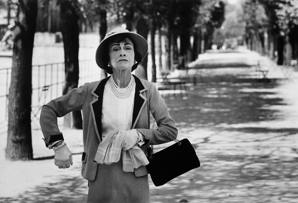 Coco Chanel, fotografata da Alexander Liberman. Secondo numerosi documenti emersi dagli archivi dell'intelligence tedesca e francese, la stilista non si occupò solo di moda, ma anche di spionaggio a favore dei nazisti. Coco Chanel by Alexander Liberman Paris 1951 fashion moda mode couture cult stories cultstories.altervista.org cult stories cultstories cinema cult story cultstory art culture music ipse dixit aneddoti citazioni frasi famose aforismi immagini foto personaggi cultura musica storie facts fatti celebrità vip cult spettacoli live performance concerto photo photography celebrity giornalismo scrittura libri genio pop icon attore cantante solista pittrice scultore attrice star diva sex symbol mito coco chanel quotes coco chanel biography coco chanel purses coco chanel movie coco chanel logo coco chanel fashion coco chanel earrings coco chanel designs coco chanel little black dress coco chanel shoes coco chanel apartment coco chanel and igor stravinsky coco chanel and boy capel coco chanel art coco chanel an intimate life coco chanel as a child coco chanel amazon coco chanel accessories coco chanel apartment tour coco chanel at macy's a coco chanel quote interview a coco chanel boy capel a coco chanel a book about coco chanel how much is a coco chanel bag how much is a coco chanel purse coco chanel a life how much is a coco chanel perfume coco chanel a paris a little black dress coco chanel coco chanel baby coco chanel book coco chanel biography book coco chanel baby clothes coco chanel baby shower coco chanel black dress coco chanel brooch coco chanel bracelet coco chanel boots coco b. chanel coco chanel clothing coco chanel chance coco chanel commercial coco chanel cakes coco chanel chance perfume coco chanel cologne coco chanel costume coco chanel couch coco chanel cause of death coco chanel company double c coco chanel earrings coco chanel c coco chanel c earrings c'est quoi coco chanel coco chanel dresses coco chanel death coco chanel documentary coco chanel dog coco chanel dillards coco chanel decor coco chanel daughter coco chanel drawings coco chanel dog clothes émilienne d'alençon coco chanel frases de coco chanel d&r coco chanel d annunzio e coco chanel boucle d'oreille coco chanel abbaye d'aubazine coco chanel chiffre d'affaire coco chanel coco chanel dairy jeux d'habillage coco chanel fond d'écran coco chanel coco chanel eau de parfum coco chanel education coco chanel eau de toilette coco chanel early life coco chanel entrepreneur coco chanel earrings nordstrom coco chanel ebay coco chanel emblem coco chanel eau tendre jeta e coco chanel biografia e coco chanel theniet e coco chanel historia e coco chanel keshillat e coco chanel stravinsky e coco chanel picasso e coco chanel chi e coco chanel cine e coco chanel camelia e coco chanel coco chanel facts coco chanel fragrance coco chanel family coco chanel font coco chanel flats coco chanel fashion quotes coco chanel film coco chanel frases coco chanel fun facts coco chanel f john f kennedy coco chanel coco chanel f-7124 coco chanel glasses coco chanel gif coco chanel gifts coco chanel gowns coco chanel granddaughter coco chanel gardenia coco chanel gold necklace coco chanel great dane coco chanel goals coco chanel gallery coco chanel handbags coco chanel husband coco chanel hoodie coco chanel hats coco chanel hair coco chanel house coco chanel heels coco chanel height coco chanel hairstyle coco chanel hair mist coco chanel h&m coco chanel images coco chanel interview coco chanel ice t coco chanel interesting facts coco chanel invitations coco chanel information coco chanel iphone case coco chanel introduced her first perfume coco chanel influence coco chanel ice t instagram is coco chanel still alive is coco chanel married is coco chanel died i love coco chanel boy i coco chanel what is coco chanel famous for who is coco chanel biography what is coco chanel's real name why is coco chanel an inspiration what is coco chanel's net worth coco chanel jewelry coco chanel jersey coco chanel jobs coco chanel jogger sets coco chanel jewelry quotes coco chanel journal coco chanel jumpsuit coco chanel justine picardie coco chanel jcpenney coco chanel jeans coco chanel keira knightley coco chanel keychain coco chanel kid coco chanel knockoff perfume coco chanel knockoff earrings coco chanel karl lagerfeld coco chanel keyboard symbol coco chanel kristen stewart coco chanel keep your heels high coco chanel knockoff jewelry coco chanel lipstick coco chanel lotion coco chanel life coco chanel lifetime coco chanel love life coco chanel legacy coco chanel lifetime movie coco chanel lipstick quotes coco l esprit chanel l'abandon coco avant chanel l'internaute coco chanel l élégance coco chanel l'histoire de coco chanel l'acte le plus courageux coco chanel l'azienda di coco chanel l'eleganza di coco chanel coco chanel makeup coco chanel mademoiselle gift set coco chanel macy's coco chanel mademoiselle belk coco chanel model coco chanel mademoiselle macys coco chanel mademoiselle rollerball coco chanel mademoiselle nordstrom coco chanel martini coco m chanel coco chanel m ffe coco chanel net worth coco chanel no 5 coco chanel noir coco chanel necklace coco chanel nails coco chanel nationality coco chanel notes coco chanel name coco chanel net worth 2015 coco chanel now coco chanel n n 5 coco chanel coco chanel n 5 prix coco chanel n 5 precio coco chanel n 19 coco chanel n 5 sephora coco chanel n 5 parfum coco chanel n 5 profumo prezzo coco chanel n 5 storia coco chanel n 5 prix sephora coco chanel outfits coco chanel old coco chanel original coco chanel owner coco chanel outlet coco chanel on sale coco chanel original clothing coco chanel oil coco chanel onesie coco chanel on ebay film o coco chanel filmy o coco chanel film o coco chanel online książka o coco chanel książki o coco chanel ciekawostki o coco chanel kniha o coco chanel knjiga o coco chanel wszystko o coco chanel opinie o coco chanel mademoiselle coco chanel perfume coco chanel pictures coco chanel paris coco chanel phone case coco chanel perfume macys coco chanel products coco chanel person coco chanel perfume review coco chanel perfume ulta horst p horst coco chanel coco chanel p d p coco chanel d&p chanel coco mademoiselle coco chanel quotes tumblr coco chanel quotes about love coco chanel quotes images coco chanel quotes hair coco chanel quotes in spanish coco chanel quotes framed coco chanel quotes beauty begins coco chanel quotes posters coco chanel quotes lipstick de q murio coco chanel q es coco chanel a q huele coco chanel coco chanel real name coco chanel review coco chanel rings coco chanel rollerball coco chanel room coco chanel rug coco chanel runway coco chanel refill coco chanel rapper coco chanel retailers coco chanel sunglasses coco chanel style coco chanel shirt coco chanel symbol coco chanel store coco chanel suit coco chanel sofa coco chanel sign coco chanel sayings coco chanel's education coco s en va chanel reste s'habiller comme coco chanel rozhovor s coco chanel comment s appelle coco chanel coco chanel tan coco chanel timeline coco chanel t shirt coco chanel tumblr coco chanel tennis shoes coco chanel the legend and the life coco chanel tattoo coco chanel the movie coco chanel theme coco chanel the little black dress t shirt coco chanel ice t coco chanel coco chanel t shirt topshop coco chanel t shirt ebay coco chanel t shirt amazon coco chanel t shirt dress coco chanel t shirt buy coco chanel t coco chanel t shirt wholesale t shirt coco chanel homme coco chanel ulta coco chanel umbrella coco chanel uk coco chanel university coco chanel uniform coco chanel uae coco chanel usp coco chanel youtube coco chanel video coco chanel vaporisateur coco chanel vogue coco chanel vs chanel no 5 coco chanel vase coco chanel vive coco chanel vogue magazine coco chanel voice coco chanel vintage hats coco chanel verdura cuffs v&a coco chanel coco chanels v for vendetta coco chanel wiki coco chanel website coco chanel watch coco chanel weston koury coco chanel wallpaper coco chanel wall art coco chanel wedding dress coco chanel west coco chanel where to buy w stylu coco chanel sukienki w stylu coco chanel ubrania w stylu coco chanel coco chanel w czasie wojny puder w kamieniu coco chanel torebki w stylu coco chanel żakiet w stylu coco chanel garsonki w stylu coco chanel makijaż w stylu coco chanel marynarka w stylu coco chanel coco chanel x nike coco chanel xosqer coco chanel 3x20ml chanel coco cabas xl chanel coco cabas xl denim chanel coco cabas xl tote chanel coco mau xanh xem coco chanel coco chanel ici paris xl coco.chanel.2008.dvdrip.xvid-vomit-cd1 nike x coco chanel coco chanelle x coco chanel young coco chanel yacht coco chanel young pictures coco chanel and ice t baby coco chanel and the little black dress coco chanel and pierre wertheimer coco chanel and igor stravinsky netflix boy capel y coco chanel coco chanel zoolander 2 coco chanel zodiac sign coco chanel zombies coco chanel zitate coco chanel zodziai coco chanel zivotopis coco chanel zyciorys coco chanel zitate englisch coco chanel zivot coco chanel zitate französisch wywiad z coco chanel piosenka z coco chanel piosenka z reklamy coco chanel muzyka z filmu coco chanel sypiając z wrogiem coco chanel piosenka z filmu coco chanel cytaty z filmu coco chanel coco chanel z häst ciekawostki z życia coco chanel piosenka z reklamy coco chanel keira coco chanel 05 rouge coco chanel 05 chanel coco mademoiselle 05 rouge coco 07 chanel chanel coco rouge 09 chanel coco la pausa 08 chanel coco rouge 05 mademoiselle coco chanel trackid=sp-006 chanel coco 唇膏 05 coco chanel 1920s coco chanel 1950s coco chanel 1923 coco chanel 1971 coco chanel 1970 coco chanel 1930 coco chanel 1923 tan coco chanel 1910 coco chanel 1.2 oz coco chanel 1960 1. coco chanel world war 1 coco chanel rai 1 coco chanel coco chanel 1/10 coco chanel 1 film 1. coco mademoiselle (chanel) coco chanel 1 puntata coco chanel 1/2 streaming coco chanel 1 streaming coco chanel 1.weltkrieg coco chanel 2015 coco chanel 2008 coco chanel 2016 coco chanel 2008 movie coco chanel 2.55 coco chanel 200ml coco chanel 2008 watch online coco chanel 2008 trailer coco chanel 281 coco chanel 2.55 handbag history 2 facts about coco chanel coco chanel 2 oz refill coco chanel 2 movie 2 interesting facts about coco chanel france 2 coco chanel coco chanel 2 coco chanel 2 55 coco chanel 2 film coco chanel 2 weltkrieg coco chanel 2 parte coco chanel 3.4 coco chanel 3.4 macy's coco chanel 39 coco chanel 320 coco chanel 30s coco chanel 31 rue cambon apartment coco chanel 31 rue cambon coco chanel 3 book set coco chanel 3 weeks 1962 sims 3 coco chanel 3 facts about coco chanel 3 interesting facts about coco chanel coco chanel 3 antena 3 coco chanel pelicula antena 3 coco chanel france 3 coco avant chanel coco chanel 416 coco chanel 4ml coco chanel 440 coco chanel 40s coco chanel 40th birthday party coco chanel 40 anni chanel coco 426 chanel coco 402 chanel coco 45 chanel coco 41 iphone 4 coco chanel case 4 facts about coco chanel coco chanel 4 iphone 4 hülle coco chanel story4 coco chanel iphone 4 hoesje coco chanel cover iphone 4 coco chanel etui iphone 4 coco chanel coco chanel 4 ml coque iphone 4 coco chanel coco chanel 50ml coco chanel 5 perfume coco chanel 5 perfume macys coco chanel 5 sephora coco chanel 5 commercial coco chanel 50ml edp coco chanel 5 price coco chanel 50 ml eau de parfum coco chanel #5 history coco chanel 50ml parfum iphone 5 coco chanel case no 5 coco chanel chapter 5 coco chanel civ 5 coco chanel 5 facts about coco chanel chanel 5 coco mademoiselle coco chanel 5 macys 5 interesting facts about coco chanel coco chanel 6.8 oz coco chanel 60ml coco chanel 60s coco chanel 60ml refill coco chanel 60s fashion coco chanel 6.8 chanel coco 60 triomphe coco chanel iphone 6 case coco chanel mademoiselle 60ml coco chanel edp 60ml iphone 6 coco chanel case iphone 6 coco chanel 6. coco mademoiselle – chanel coco chanel 6 coque iphone 6 coco chanel coco channel 6/10 cover iphone 6 coco chanel coco chanel 7.5 coco chanel 7 wonders coco chanel 720p coco chanel mademoiselle 7.5 ml coco chanel perfume 7.5ml coco before chanel 720p coco chanel parfum 7.5ml coco chanel chapter 7 coco chanel at 70 chanel coco shine 70 sourire 7 facts about coco chanel coco chanel 7 coco chanel 7 5 ml coco chanel 7/10 coco chanel 7 5 coco chanel 80's chanel coco shine 88 chanel coco shine 89 chanel coco shine 83 chanel coco shine 88 esprit chanel coco shine 80 suspense chanel coco rouge 87 chanel coco rouge 86 chanel coco 86 coco chanel rtl 8 coco chanel 8 rtl 8 coco chanel uitzending gemist rtl 8 coco chanel coco chanel 8/10 coco chanel 97.9 coco chanel 99 jams coco chanel 9gag coco chanel 91 chanel coco 97 chanel coco 90 coco chanel no 9 coco chanel number 9 cocoa chanel hot 97 chanel coco shine 94 coco chanel 9 coco chanel 9/10 coco chanel 10 facts coco chanel 100ml eau de parfum coco chanel 100 coco chanel 100ml eau de toilette coco chanel 100ml macys coco chanel 100ml boots coco chanel 100ml debenhams coco chanel 100ml nz coco chanel 100ml noir coco chanel 100 years top 10 coco chanel quotes 10 facts about coco chanel 10 things about coco chanel 10 keshillat e coco chanel 10 rules of coco chanel 10 interesting facts about coco chanel 10 important facts about coco chanel coco chanel 10 mondása 10 frases de coco chanel coco chanel 10 aranyköpése