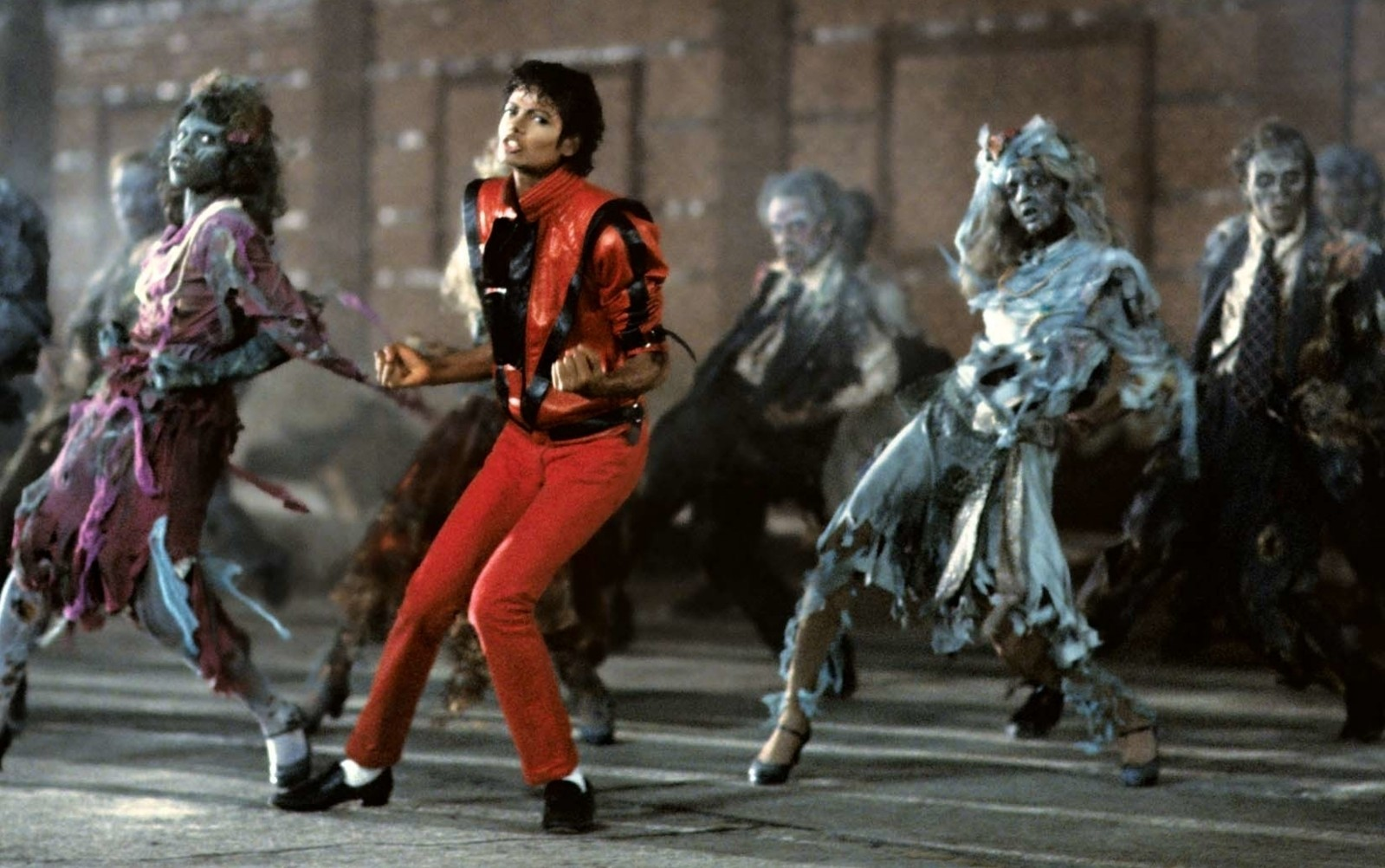 Michael Jackson attorniato dagli zombies in un momento del video di 'Thriller', di John Landis. Il filmato trae ispirazione dal film 'Un lupo mannaro americano a Londra' dello stesso Landis, la risata finale appartiene invece a Vincent Price, icona del cinema horror americano anni '50. Cult Stories Michael Jackson Thriller King of pop music video zombies dance cult stories cultstories cinema cult story cultstory art culture music ipse dixit aneddoti citazioni frasi famose aforismi immagini foto personaggi cultura musica storie facts fatti celebrità vip cult spettacoli live performance concerto photo photography celebrity giornalismo scrittura libri genio pop icon attore cantante solista pittrice scultore attrice star diva sex symbol mito michael jackson melodii michael jackson junior michael jackson you are not alone michael jackson muzica michael jackson earth song michael jackson beat it michael jackson wikipedia michael jackson in romania michael jackson songs michael jackson thriller michael jackson billie jean michael jackson albume michael jackson albums michael jackson alive michael jackson album michael jackson avere michael jackson album download michael jackson a place with no name michael jackson a murit acum 20 de ani michael jackson all about us michael jackson awards a michael jackson song a michael jackson tribute a michael jackson timeline a michael jackson quote a michael jackson biography a michael jackson quiz a michael jackson movie moarte michael jackson memorial a michael jackson a young michael jackson michael jackson ăn chay michael+jackson(âõ¿ë¶û+1⁄2ü¿ëñ·) âõ¿ë¶û¡¤1⁄2ü¿ëñ· michael jackson âõ¿ë¶û¡¤1⁄2ü¿ëñ· michael jackson you are not alone âõ¿ë¶û¡¤1⁄2ü¿ëñ· michael jackson you are not alone lyrics âõ¿ë¶û¡¤1⁄2ü¿ëñ· michael jackson bad lyrics âõ¿ë¶û¡¤1⁄2ü¿ëñ· michael jackson mp3 download âõ¿ë¶û¡¤1⁄2ü¿ëñ· michael jackson i just can't stop loving you âõ¿ë¶û¡¤1⁄2ü¿ëñ· michael jackson bad âõ¿ë¶û¡¤1⁄2ü¿ëñ· michael jackson black or white lyrics âõ¿ë¶û¡¤1⁄2ü¿ëñ· michael jackson number ones michael jackson billie jean download michael jackson bad download michael jackson biografie michael jackson bucharest michael jackson blood on the dance floor michael jackson billie jean versuri michael jackson bucuresti michael jackson beat it lyrics b michael jackson /b b michael jackson billie jean michael jackson bday l.t.b. michael jackson a b c michael jackson lyrics can't b good michael jackson download michael b jackson actor michael b jackson md michael b jackson md hoboken michael b jackson photography michael jackson concert michael jackson copii michael jackson citate michael jackson come together michael jackson cauza mortii michael jackson copii lui michael jackson concert bucuresti michael jackson childhood versuri romana michael jackson care about us michael jackson colaj michael c jackson systems thinking michael c. jackson systems approaches to management michael c jackson systems thinking creative holism for managers michael c jackson systems michael c jackson delaware michael c jackson hull lil c michael jackson c'mon michael jackson lil c michael jackson give into me michael jackson death michael jackson daughter michael jackson download michael jackson dance michael jackson documentar michael jackson dangerous tour michael jackson documentary michael jackson download zippy michael jackson drawing michael jackson de ce a murit d s michael jackson d.s michael jackson lyrics download michael jackson d.s mp3 d.s michael jackson youtube d.s michael jackson live michael d jackson md michael d jackson arrested michael d jackson harvard michael d jackson anthropology michael d jackson facebook michael jackson earth song versuri michael jackson earth song lyrics michael jackson earth song download michael jackson earth song versuri romana michael jackson exista michael jackson evolution michael jackson e viu michael jackson earth michael jackson e in viata michael jackson film michael jackson funeral michael jackson filme michael jackson film online subtitrat michael jackson for all time michael jackson full album michael jackson free mp3 download michael jackson for all time lyrics michael jackson feat justin timberlake love never felt so good michael jackson fanfiction michael f jackson aci worldwide f action michael jackson dr michael f jackson michael jackson f word michael jackson f t akon hold my hand lyrics rockwell ft michael jackson - somebody's watching me obscure f.m. - michael jackson is in heaven now.mp3 michael jackson ghost michael jackson ghosts michael jackson give into me download michael jackson gif michael jackson grave michael jackson games michael jackson gone too soon michael jackson ghost lyrics michael jackson give into me versuri michael jackson give into me lyrics george michael jackson g dragon michael jackson george carlin michael jackson george bush michael jackson george michael michael jackson duet george michael jackson 5 michael g jackson photography michael george jacksonville fl michael george jackson-clarke michael george jackson-clark / clemens winterhalter michael jackson heal the world michael jackson hollywood tonight michael jackson history michael jackson house michael jackson hold my hand michael jackson height michael jackson heal the world download michael jackson heal the world lyrics michael jackson happy birthday michael jackson human nature lyrics michael h jackson michael h jackson galapagos a natural history h&m michael jackson h&m michael jackson beat it s h figuarts michael jackson h to the izzo michael jackson h to the izzo michael jackson sample h&m koszulka michael jackson h&m maglia michael jackson michael jackson ch michael jackson inaltime michael jackson in the closet michael jackson i just can't stop loving you michael jackson invincible michael jackson imdb michael jackson i'll be there michael jackson in romania 1992 michael jackson imagini michael jackson i just can't stop loving you versuri romana i michael jackson alive i michael jackson bad i michael jackson really dead is michael jackson in hell is michael jackson muslim is michael jackson black or white is michael jackson illuminati is michael jackson alive 2013 is michael jackson black is michael jackson alive 2014 michael jackson înhumare michael jackson in the closet lyrics michael jackson in the world michael jackson in india michael jackson in the closet mp3 michael jackson in casket michael jackson in concert michael jackson in the simpsons michael jackson in the closet video in michael jackson in michael jackson's house ghost in michael jackson's house guitarist in michael jackson's this is it in closet michael jackson ghost in michael jackson video beat in michael jackson in moscow michael jackson vitiligo in michael jackson songs in michael jackson the experience michael jackson jam michael jackson jam lyrics michael jackson justin timberlake - love never felt so good download michael jackson jam download michael jackson jocuri michael jackson jam versuri romana michael jackson justin timberlake - love never felt so good lyrics michael jackson jilly bean michael jackson just good friends j michael jackson designs j lo michael jackson j. randy taraborrelli michael jackson michael j jackson coronation street michael j jackson brookside michael j jackson brookside ollie simpson michael j jackson imdb michael j jackson autonation michael j jackson photography michael j. jackson richmond va michael jackson kid michael jackson keep the faith michael jackson karaoke michael jackson keep your head up michael jackson king michael jackson king of pop michael jackson kill the world michael jackson kanye west michael jackson keep the faith lyrics michael jackson karaoke remember the time k pop michael jackson slim k michael jackson k boing michael jackson ba-k michael jackson sergio k michael jackson barry k. rothman michael jackson j k rowling michael jackson p k songs michael jackson dangerous michael k williams janet jackson john k isaac michael jackson michael jackson live michael jackson lyrics michael jackson liberian girl download michael jackson la maruta michael jackson live in bucharest 1996 michael jackson life michael jackson last song michael jackson liberian girl download zippy michael jackson la bucuresti 1996 michael jackson leave me alone download l michael jackson thriller l uomo vogue michael jackson michael l jackson chicago michael l jackson actor michael l jackson usc michael l jackson wikipedia michael l jackson wiki michael l jackson facebook michael l jackson obituary michael l jackson indianapolis michael jackson man in the mirror michael jackson moarte michael jackson mp3 michael jackson movie michael jackson music michael jackson melodii celebre michael jackson man in the mirror versuri michael jackson moonwalk m michael jackson songs agent m michael jackson 11 p m michael jackson m a sunat michael jackson i'm bad michael jackson lyrics michael jackson i ' m bad mp3 michael m jackson attorney topeka boney m michael jackson m poetica michael jackson's art of connection and defiance michael jackson net worth michael jackson neverland michael jackson new album michael jackson news michael jackson nas michael jackson new album 2015 michael jackson not alone michael jackson nothing michael jackson number ones michael jackson noutati chill n michael jackson michael jackson nsync guns n roses michael jackson bossa n michael jackson akon n michael jackson song nsync and michael jackson pop michael jackson in bossa download n did michael jackson die michael jackson in illuminati pokemon n michael jackson michael jackson off the wall michael jackson one more chance michael jackson on the line michael jackson off the wall album michael jackson operatii estetice michael jackson one more chance versuri romana michael jackson online michael jackson off the wall lyrics michael jackson one michael jackson one more chance mp3 o michael jackson las vegas o michael jackson zei of michael jackson biography of michael jackson list of michael jackson songs best of michael jackson pictures of michael jackson death of michael jackson history of michael jackson songs of michael jackson michael jackson poze michael jackson popcorn michael jackson paul mccartney michael jackson playlist michael jackson popcorn gif michael jackson pictures michael jackson paul mccartney say say say michael jackson photos michael jackson peruca michael jackson p.y.t. (pretty young thing) p square michael jackson tribute p.y.t michael jackson p y t michael jackson lyrics p y t michael jackson mp3 p y t michael jackson download p.y.t michael jackson mp3 download michael p jackson carmi il michael p jackson industrial relations michael p jackson illinois michael p jackson facebook michael jackson quotes michael jackson quiz michael jackson quotes about music michael jackson quotes education michael jackson quotes about childhood michael jackson quotev michael jackson queen michael jackson quotes about dance michael jackson quote about dance michael jackson quotes on life q michael jackson unmasked ano q michael jackson morreu por q michael jackson se volvio blanco provas q michael jackson esta vivo q tip michael jackson q dia michael jackson morreu nueva q michael jackson data q michael jackson morreu por q michael jackson se hizo blanco q magazine michael jackson michael jackson remember the time michael jackson romania michael jackson rock with you michael jackson remember the time versuri michael jackson radio michael jackson remix michael jackson remember the time versuri romana michael jackson remember the time lyrics michael jackson rock my world michael jackson religie r. michael jackson attorney colorado r michael jackson attorney r kelly michael jackson r kelly wrote michael jackson song michael r jackson md michael r jackson florissant michael r jackson florida michael r jackson facebook michael r jackson jr michael r jackson composer michael jackson stiri michael jackson slave to the rhythm michael jackson speechless michael jackson shoes michael jackson say say say michael jackson songs list michael jackson she's out of my life michael jackson sons michael jackson stranger in moscow download s michael jackson really dead michael jackson is alive d.s. michael jackson wiki michael jackson's death michael jackson s house michael jackson s ghosts michael jackson this is it michael jackson the way you make me feel michael jackson they don't care about us michael jackson this is it online michael jackson they don't care about us download michael jackson thriller download michael jackson they don't care about us lyrics michael jackson the experience michael jackson the way you make me feel download t. michael jackson traverse city t shirt michael jackson e t michael jackson mr t michael jackson t shirts michael jackson t pain michael jackson michael jackson 3t e.t. michael jackson soundtrack t shirt michael jackson ebay olodum shirt michael jackson michael jackson ultima melodie michael jackson unbreakable michael jackson ultimele noutati michael jackson unbreakable versuri romana michael jackson ultima poza michael jackson unbreakable lyrics michael jackson us michael jackson underwear michael jackson unreleased songs youtube michael jackson ultimate collection you michael jackson you michael jackson lyrics michael jackson youtube rock with u michael jackson u not alone michael jackson lyrics michael jackson videoclipuri michael jackson video michael jackson versuri michael jackson varsta michael jackson viata michael jackson vocea romaniei michael jackson videos michael jackson video songs michael jackson versuri romana michael jackson video vanguard award gta v michael jackson odin v odin michael jackson michael jackson v s mr.bean michael v jackson md prince v michael jackson v.mahendran michael jackson elvis v michael jackson madonna or michael jackson durham v michael jackson prince v michael jackson experience michael jackson who is it michael jackson we are the world michael jackson will you be there michael jackson wife michael jackson who is it lyrics michael jackson who is it download michael jackson world michael jackson why you wanna trip on me michael jackson who's loving you michael jackson we are the world lyrics michael jackson w brytyjskim mam talent michael w jackson san antonio michael w jackson facebook michael w jackson md michael w jackson waco michael w jackson attorney at law michael w. jackson attorney zagrajmy w michael jackson the experience big w michael jackson akon w/ michael jackson hold my hand michael jackson xscape michael jackson xscape album michael jackson x factor michael jackson xscape youtube michael jackson xscape songs michael jackson xscape mp3 michael jackson xscape album download michael jackson x factor 2009 michael jackson xscape download michael jackson xscape review x factor michael jackson x factor michael jackson audition x factor michael jackson indian x factor michael jackson impersonator x factor michael jackson romania x factor michael jackson songs x factor michael jackson youtube x factor michael jackson earth song x factor michael jackson funeral x factor michael jackson song michael jackson you are not alone download michael jackson you are not alone lyrics michael jackson young michael jackson you rock my world versuri romana michael jackson you rock my world download michael jackson you are my life michael jackson youtube earth song michael jackson you rock my world mp3 thalia y michael jackson akon y michael jackson slash y michael jackson madonna y michael jackson selena y michael jackson en el infierno pitbull y michael jackson xuxa y michael jackson akon y michael jackson hold my hand eminem y michael jackson usher y michael jackson michael jackson zodie michael jackson zombie music michael jackson zippy michael jackson zombie music video michael jackson zodiac michael jackson zionism michael jackson zoo michael jackson zodiac sign michael jackson zoo berlin michael jackson zona jay z michael jackson jay z michael jackson song jay z michael jackson jordan tyson jay z michael jackson summer jam film z michael jackson z kim michael jackson miał dzieci jay z michael jackson thriller jay z michael jackson summer jam video jay z michael jackson rock my world filmy z michael jackson michael jackson 0 to 100 michael jackson 02 michael jackson 02 arena michael jackson 02 tickets michael jackson 02 cirque michael jackson 02 cirque du soleil michael jackson 02 announcement michael jackson 02 press conference michael jackson 0 gravity michael jackson 007 tosh.0 michael jackson michael jackson 0 michael jackson 0-3 years old gravedad 0 michael jackson france 0 michael jackson truco gravedad 0 michael jackson michael jackson 1992 michael jackson 1995 michael jackson 1987 michael jackson 1980 michael jackson 1997 michael jackson 1992 bucharest michael jackson 1992 bucharest concert michael jackson 1991 michael jackson 1994 michael jackson 1996 #1 michael jackson songs 1.michael jackson billie jean #1 michael jackson impersonator #1 michael jackson song of all time 1 2 3 michael jackson 1 el michael jackson 2 el robocop number 1 michael jackson song number 1 michael jackson impersonator 1 album michael jackson clyde 1 michael jackson ghost michael jackson 2015 michael jackson 2009 michael jackson 2008 michael jackson 2001 michael jackson 2015 song michael jackson 2014 michael jackson 29 august michael jackson 2015 album michael jackson 2 bad michael jackson 2000 2 michael jackson – hollywood tonight dj chuckie radio edit 2. michael jackson - beat it (timothy cee remix) 2 bad michael jackson lyrics 2 bad michael jackson mp3 2cellos michael jackson 2 bad michael jackson mp3 download 2 bad michael jackson download sonic 2 michael jackson sims 2 michael jackson thriller sims 2 michael jackson download michael jackson 30th anniversary celebration michael jackson 3d michael jackson 30 anniversary michael jackson 30th anniversary special michael jackson 30th anniversary concert michael jackson 3t why michael jackson 30 anniversary full concert michael jackson 30th anniversary full concert michael jackson 30th anniversary concert full video michael jackson 30th anniversary full 3 michael jackson songs sonic 3 michael jackson sims 3 michael jackson sims 3 michael jackson download top 3 michael jackson songs playstation 3 michael jackson sonic 3 michael jackson music sims 3 michael jackson hair gta 3 michael jackson skin michael jackson 40th anniversary michael jackson 4 years to get it right michael jackson 40 songs michael jackson 4th anniversary michael jackson 4sh michael jackson 4d hologram is a reality michael jackson 4 ans michael jackson 40th anniversary concert michael jackson 45 degree michael jackson 45 derece nasıl yapılır for michael jackson for michael jackson thriller 4 years michael jackson just dance 4 michael jackson thriller michael jackson 5.1 michael jackson 50 cent monster michael jackson 57 michael jackson 5 songs michael jackson 55th birthday michael jackson 5 abc 123 michael jackson 50 concerts michael jackson 5.1 surround michael jackson 5 facts michael jackson 50 anniversary 5 michael jackson songs 5 michael jackson facts 5 michael jackson fans gta 5 michael jackson maroon 5 michael jackson top 5 michael jackson videos jackson 5 michael jackson 30th anniversary top 5 michael jackson music videos iphone 5 michael jackson wallpaper jackson 5 michael jackson i'll be there taeke m michael jackson 6 letter michael jackson songs tekken 6 michael jackson top 6 michael jackson songs pier 6 michael jackson 6 rings michael jackson 25 6 michael jackson 6 grammys michael jackson 6 facts about michael jackson 6 year old michael jackson got to dance michael jackson 70s michael jackson 7even michael jackson 70 michael jackson 70s music michael jackson 777 armband michael jackson 7even album download michael jackson 720p michael jackson 7even album michael jackson 7 years old michael jackson 7even album tracklist 7. michael jackson - remember the time (dj dan karim remix) windows 7 michael jackson theme windows 7 michael jackson theme download number 7 michael jackson windows 7 michael jackson themes windows 7 michael jackson wallpaper abc 7 michael jackson naturally 7 michael jackson 7 ways michael jackson changed world 7 rahasia michael jackson michael jackson 80 michael jackson 83 michael jackson 80s songs michael jackson 80s michael jackson 80s hits michael jackson 88 grammys michael jackson 80s music hits michael jackson 8 grammy awards in 2 hours michael jackson 80 hits michael jackson 8 grammys 8 bit michael jackson thriller 8 bit michael jackson section 8 michael jackson earbuds michael jackson direct8 8 tracks michael jackson 8 grammys michael jackson calle 8 michael jackson 8 bit michael jackson beat it section 8 michael jackson headphones michael jackson 90s michael jackson 92 michael jackson 90 songs michael jackson 9 singles pack michael jackson 9gag michael jackson 97 michael jackson 92 bucharest michael jackson 9 11 meeting michael jackson 9 to 5 michael jackson 9/11 story 9 11 michael jackson 9 singles pack michael jackson michael jackson 9/11 new york kobe 9 michael jackson kobe 9 michael jackson release date kobe 9 michael jackson inspired 9 5 michael jackson november 9 michael jackson emlékkoncert channel 9 michael jackson november 9 michael jackson michael jackson 10 years old michael jackson 1000 faces michael jackson 10 best songs michael jackson 1080p hd video songs michael jackson 10 top songs michael jackson 100 songs michael jackson 100 michael jackson 1000 watts michael jackson 100 top songs michael jackson 1080p wallpaper 10 michael jackson songs 10 michael jackson facts 10 michael jackson myths top 10 michael jackson songs top 10 michael jackson top 10 michael jackson song 10 best michael jackson songs top 10 michael jackson songs youtube top 10 michael jackson mp3 songs free download top 10 michael jackson songs download