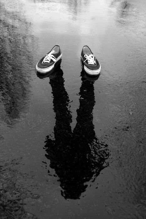 Cult Stories surrealist photography water shadow fotografia surrealista ombra nell'acqua Cult photography cult gallery