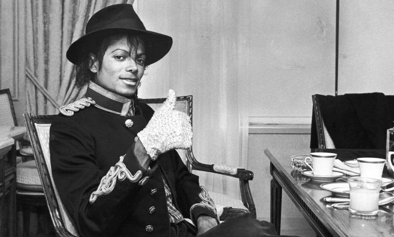 Michael Jackson, white glove pop music king idol cult cult stories musica musique MJ Jacko