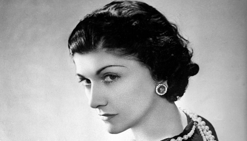 young Gabrielle Coco Chanel cult fashion stylist mode moda clothes cult stories cultstories.altervista.org